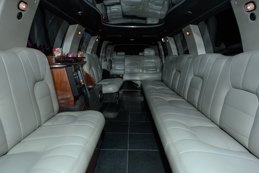 Cape Cod 20 Passenger Cadillac Stretch Limo