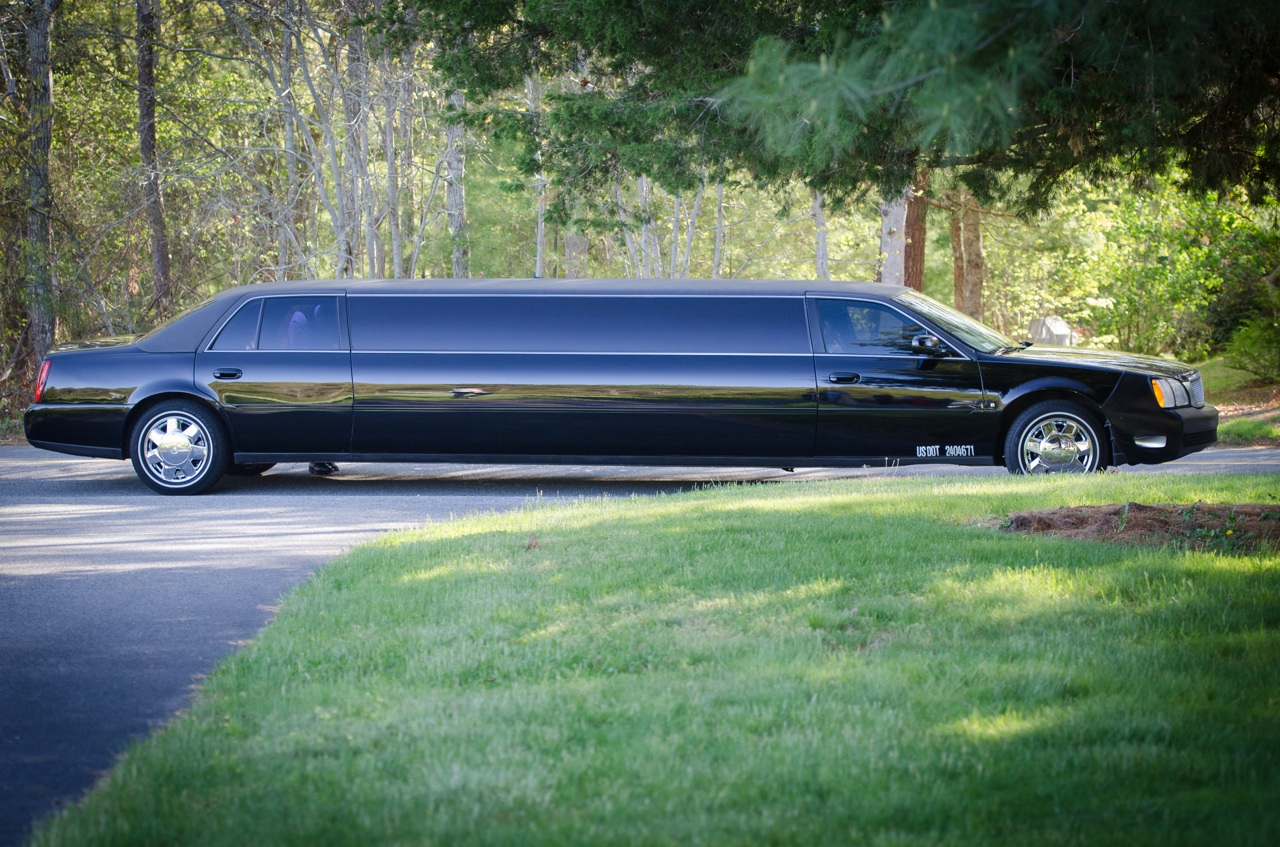 Top Notch Limo 10 Passenger Cadillac Stretch Limo